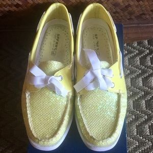 Excellent Condition Lime Glitter/Patent Sperry